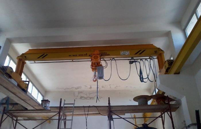 Rekonstruirana portalna mosna dizalica